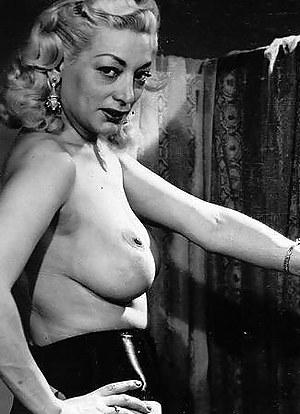 Hot MILF Vintage Porn Pictures