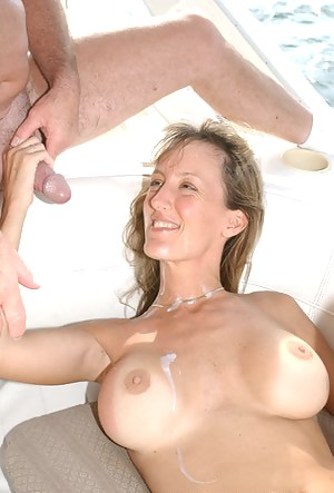 Hot MILF Boat Porn Pictures