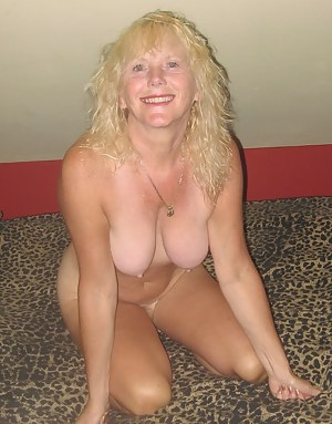 Hot MILF Girlfriend Porn Pictures
