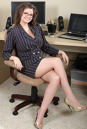 Hot MILF Boss Porn Pictures