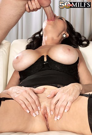 Hot MILF Face Fuck Porn Pictures