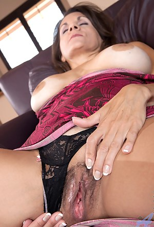 Hot MILF Nails Porn Pictures