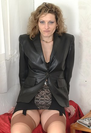 Hot MILF Leather Porn Pictures