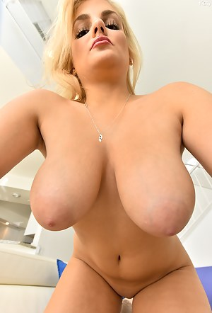 Hot MILF Nipples Porn Pictures